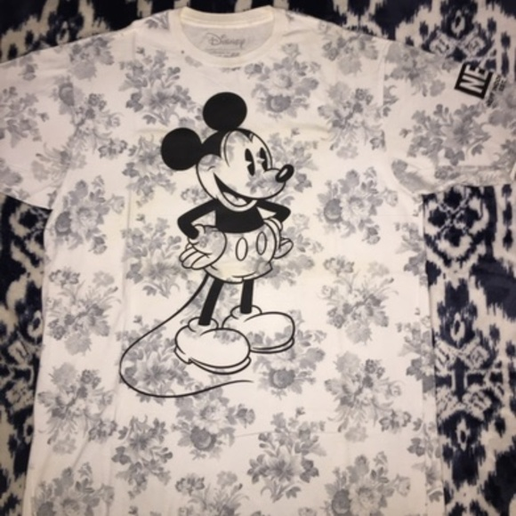 a6b3fb02c0a2fd Neff x Disney • Collectible Floral Mickey Mouse T.  M 5bfdd041534ef92398b06917